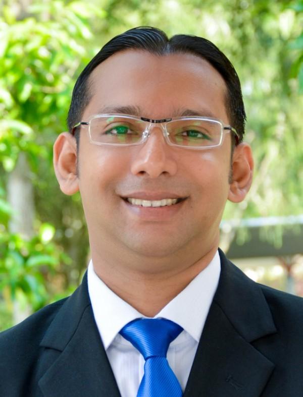 Dr.Mahmood-Anwar-640x839