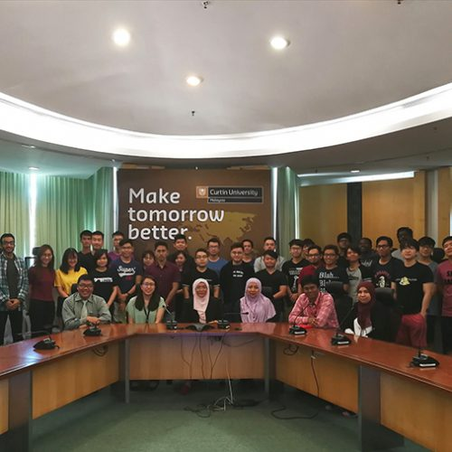 Curtin Malaysia students attend seminar on 'Successful Engineering Research Studies'